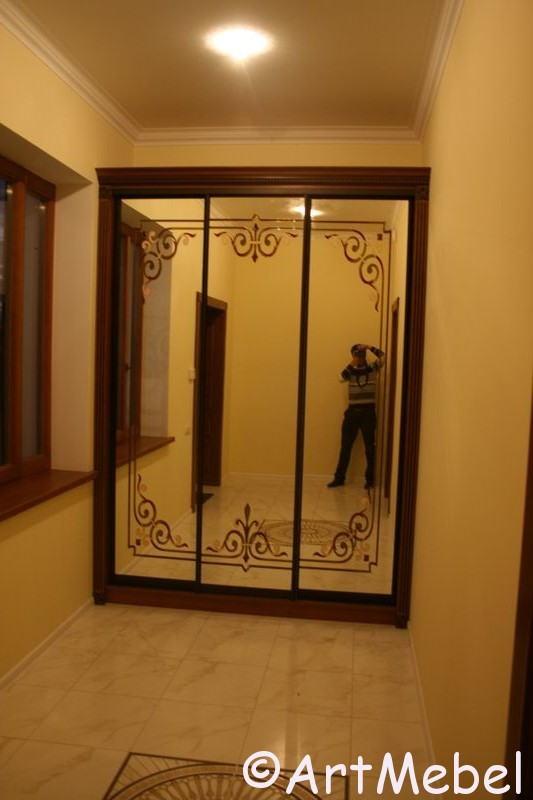зеркальный шкаф на заказ