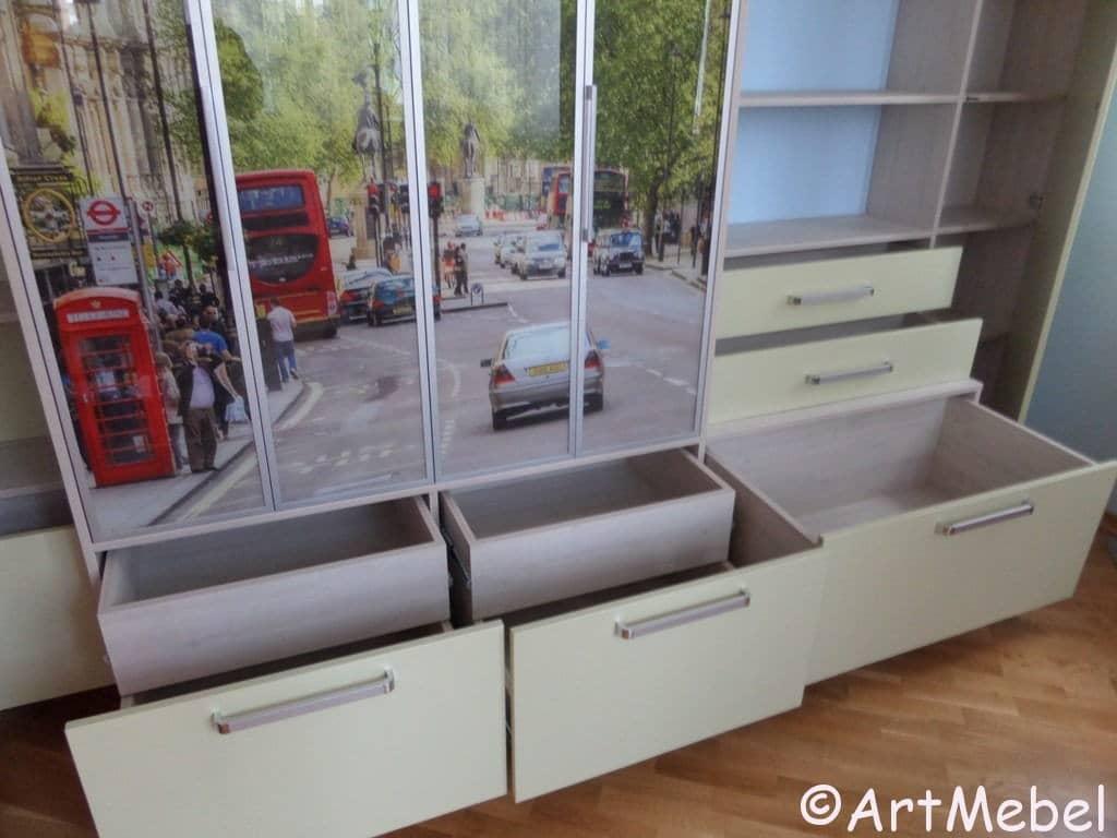Зеркальный шкаф купе для детской