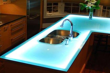 стеклянные столешницы на кухню